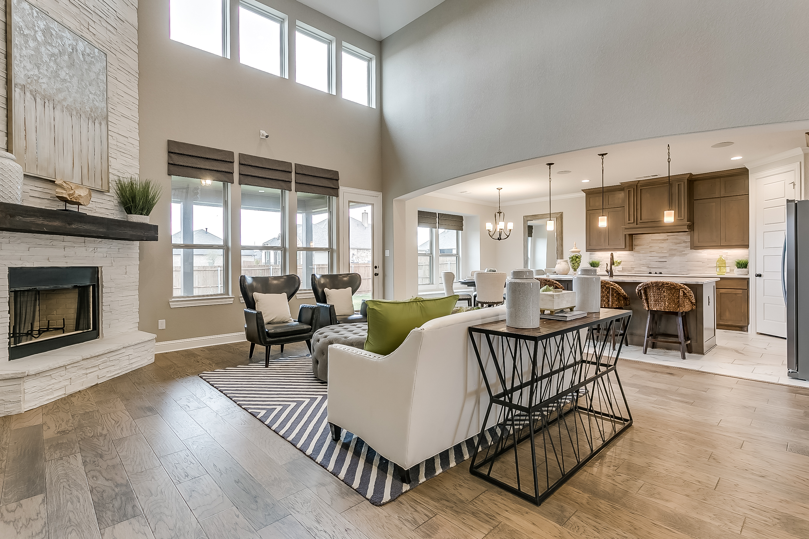Estates at North Grove, Waxahachie, new homes for sale, waxahachie home builder, ellis county, model home, 3d gallery, 3d home tour, model home photos, 2 story living room